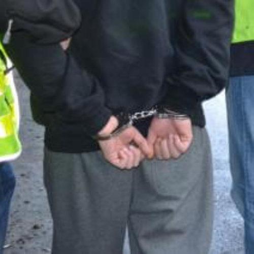 Krakowscy policjanci zatrzymali dwóch mężczyzn, którzy przewozili narkotyki. Jeden z nich posiadał również znaczne ilości środków odurzających w miejscu zamieszkania